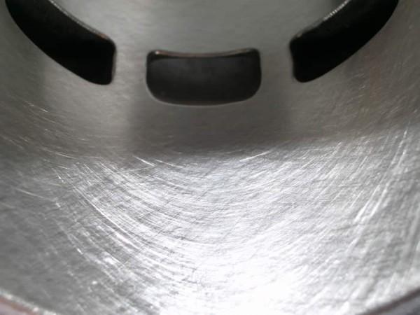 Zylinder Grauguß auf nächstes Übermaß aufbohren und feinhonen